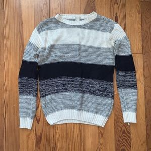 Forever 21 black and grey winter sweater